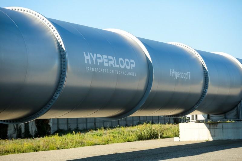 Cápsula com passageiros ou cargas alcança até 1,2 mil km/h dentro de tubo metálico